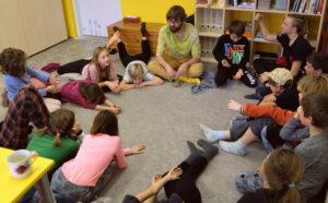 Děti při besedě s Honzou | Koventinka Plzeň