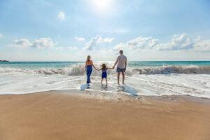 Spokojená rodinka u moře